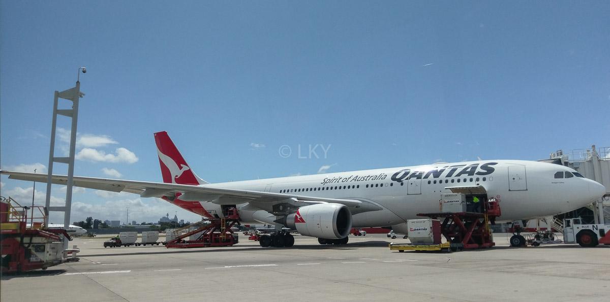Qantas A330-202, flights between Sydney and Beijing