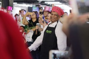 AirAsia Group CEO Tony Fernandes at the Santan Food Festival